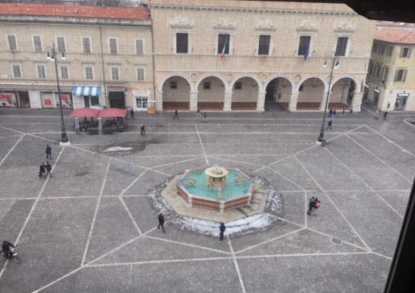Pesaro, zona Centro ZTL, Appartamento in Vendita