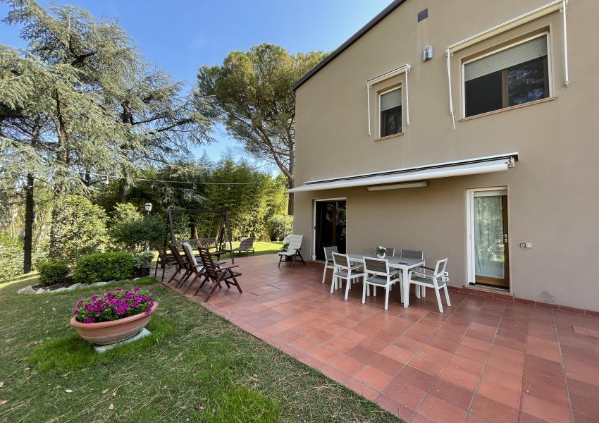 Casa bifamiliare in Vendita, Pesaro, zona Baratoff