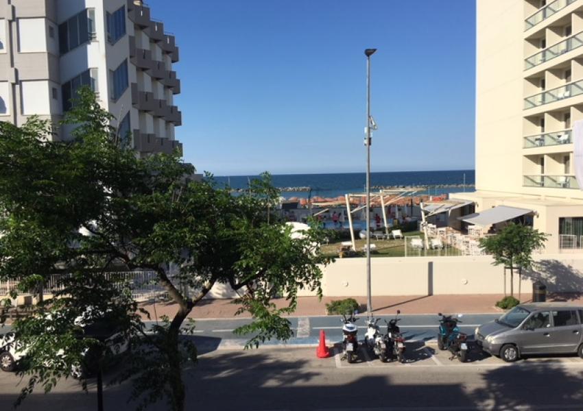 Pesaro, zona Mare, Appartamento in Vendita